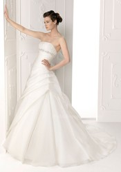 Cheap wedding dress for saving more money