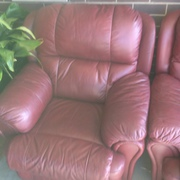 leather recliners and matching 2 seater sofa recliner